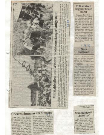 05/99 Mit Drahtseil und Winden Maibaum aufgestellt