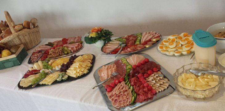 Muttertagsfrühstück im Mai von der Frauengemeinschaft